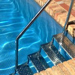 Escaleras piscina